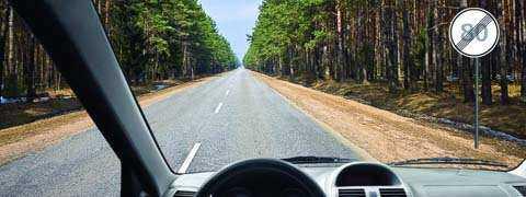 С какой максимальной скоростью Вы можете продолжить движение на грузовом автомобиле с разрешенной максимальной массой менее 3,5 т?