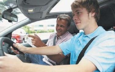 К водителю приравнивается лицо, обучающее вождению